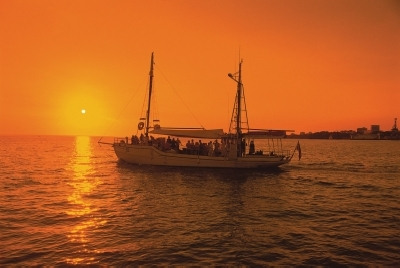 -14367 Sunset Cruise Darwin Harbour NTTC.jpg